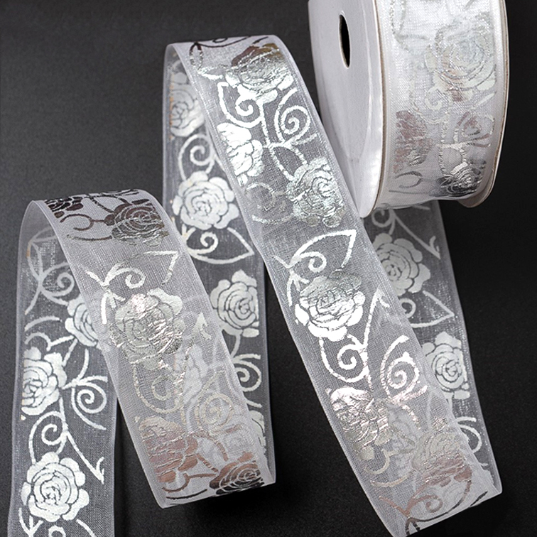 Лента органза 2,5 см «Розы» белый/серебро